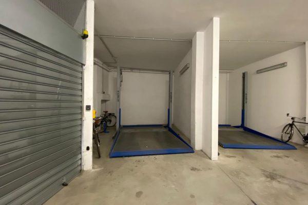 FINE VIA ROMA, GARAGE MQ. 22 CON ELEVATORE AD € 88.000,00!